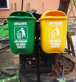 tong sampah fiber oval
